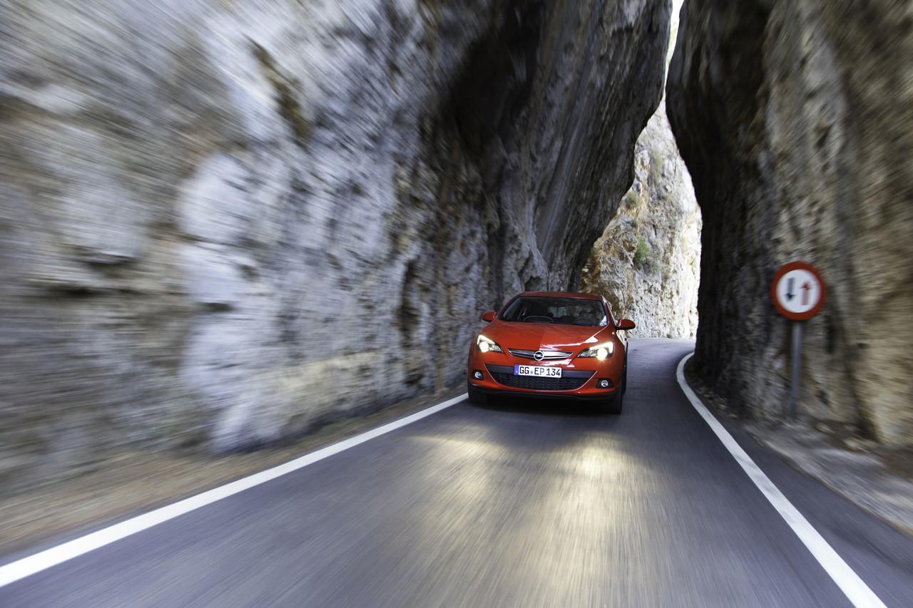 Foto de Opel Astra GTC (83/90)