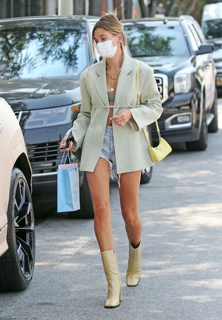 Hailey Baldwin Bieber Look Streetstyle 02