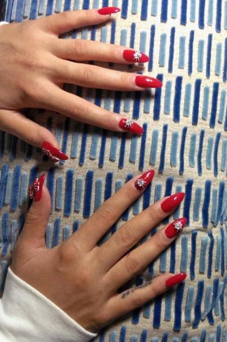 rita_ora_manicure_a_p.jpg
