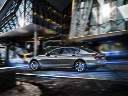 BMW Serie 7 PHEV, la carrera híbrida enchufable no ha hecho más que comenzar
