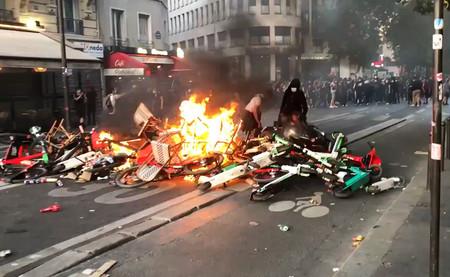 Francia ha aprovechado la muerte de George Floyd para hacer lo que mejor sabe hacer: barricadas