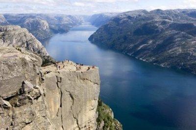 Sobrevolar el Púlpito y el Fiordo Lysefjord en helicóptero