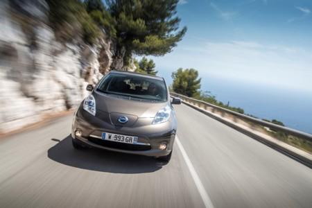 Las nuevas baterías del Nissan LEAF de 30 kWh aumentan su autonomía hasta los 250 kms (en ciclo NEDC)