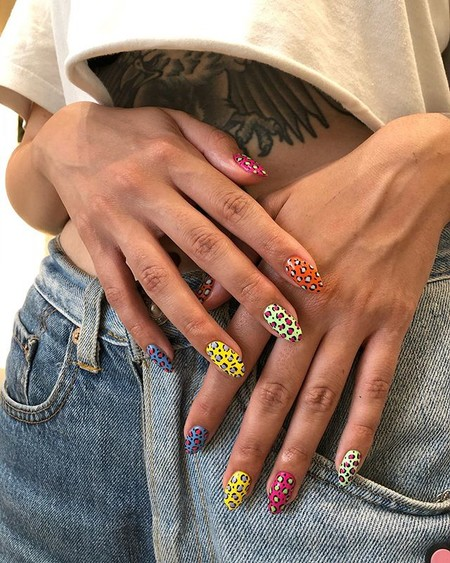 Saca la fiera que hay en ti y enseña las garras: 13 diseños de nail art donde el estampado animal es el protagonista