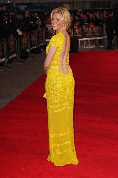 Elizabeth Banks in Bill Blass at the Hunger Games London premiere