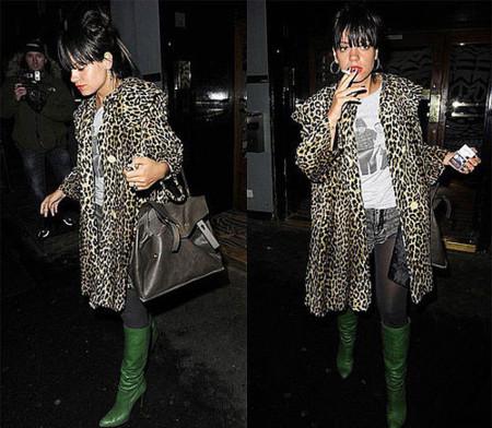 Lily Allen y sus botas verdes
