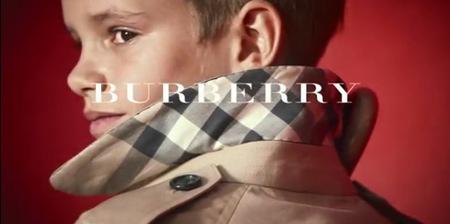 El debut de Romeo Beckham como modelo de Burberry