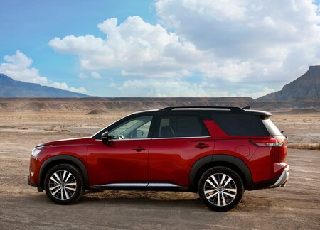 Nissan Pathfinder 2022 1600 07