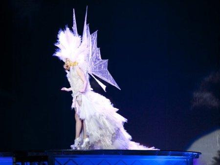 El estilo de Lady GaGa contra el Rihanna: ¿quién es más espectacular en los conciertos? XII