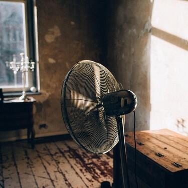 Nos olvidamos de pasar calor con el ventilador más vendido en Amazon que fichamos hoy por menos de 20 euros