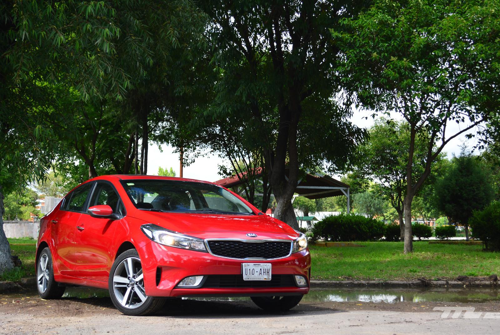 Foto de KIA Forte Sedan (prueba) (1/18)