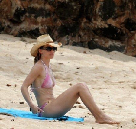 Hilary Swank bikini