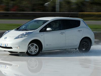 El próximo Nissan LEAF le copiará el 'pedal único' al BMW i3 y Volkswagen e-up
