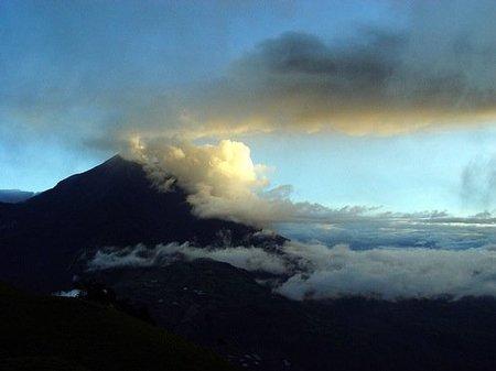 Caos aéreo en media Europa por la erupción de un volcán en Islandia