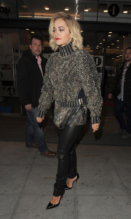 Rita Ora barbara Bui look calle