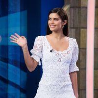 Sara Sampaio visita El Hormiguero con el vestido blanco romántico que todas queremos para este verano