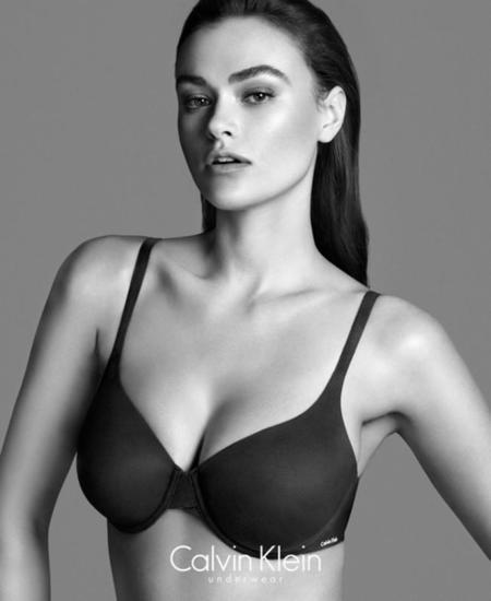 Myla Dalbesio, la nueva modelo de talla 42 que ha hecho saltar la polémica en Calvin Klein