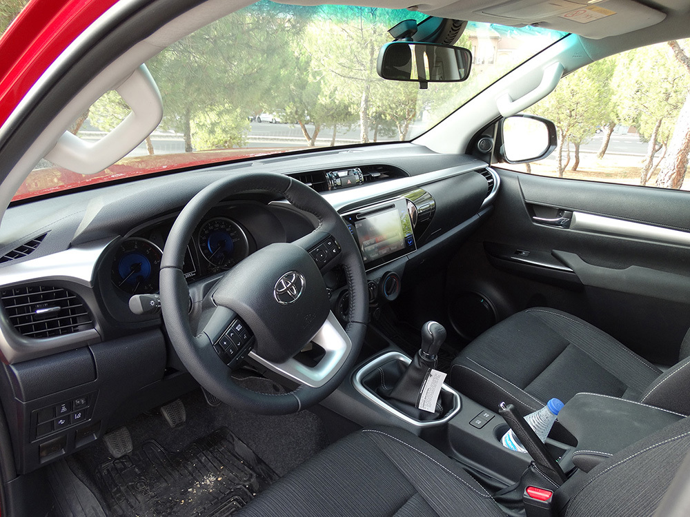 Foto de Probamos el Toyota Hilux, interiores con todas las imágenes (32/39)