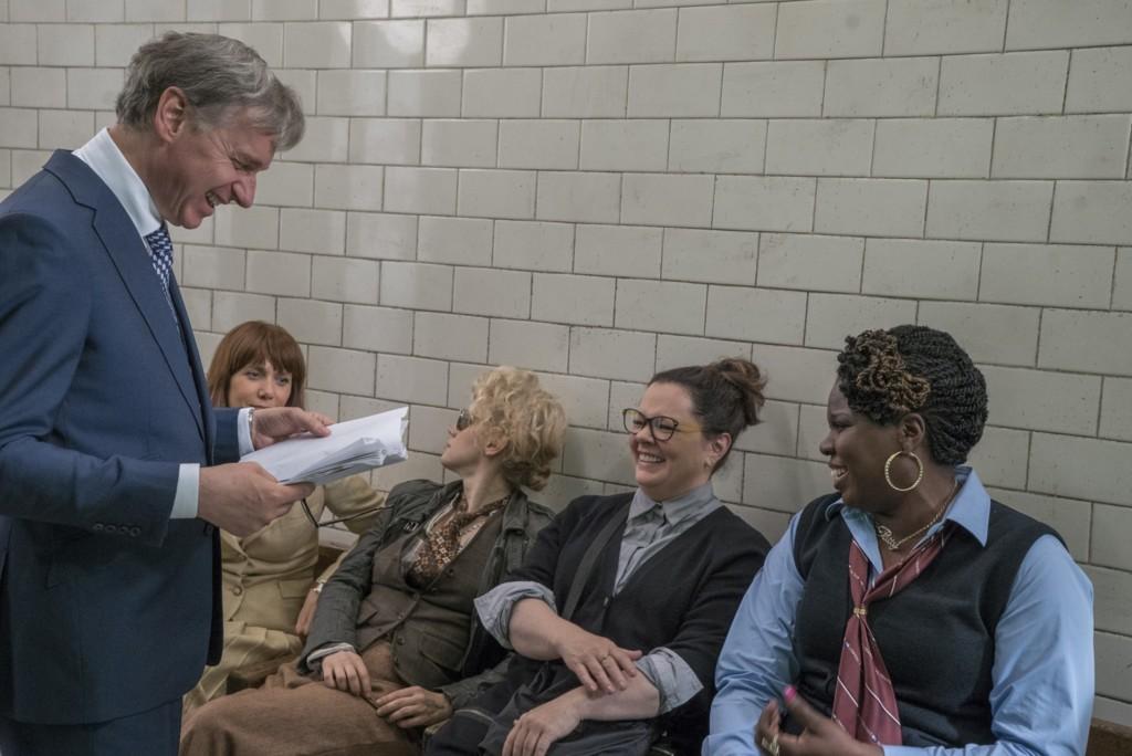 Paul Feig con las protagonistas en el rodaje