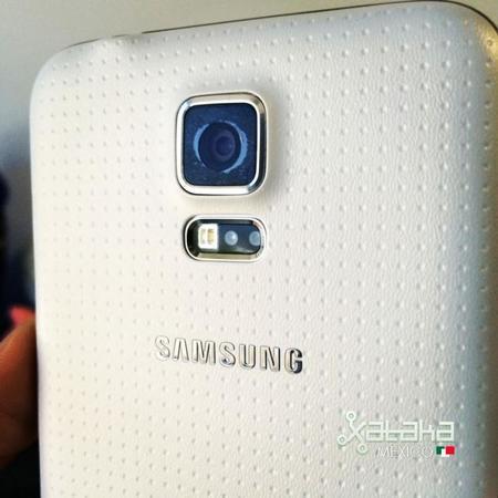 Samsung confirma falla en la cámara de algunos Galaxy S5