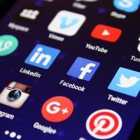 Esta web ofrece una completa guía de medidas de imágenes para redes sociales con plantillas y todos los tamaños