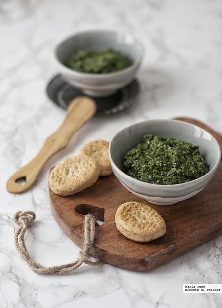 Tres recetas fáciles de pan y media docena de salsas cremosa para untarlos y disfrutar de un delicioso picoteo del finde