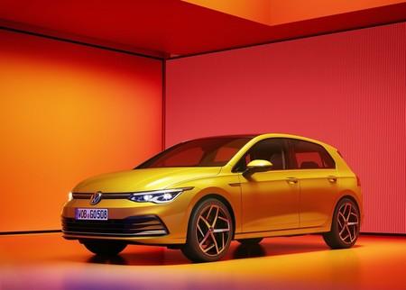 El Volkswagen Golf VIII es el hatcbkack que quiere el trono de regreso: 5 variantes híbridas y hasta Car2X