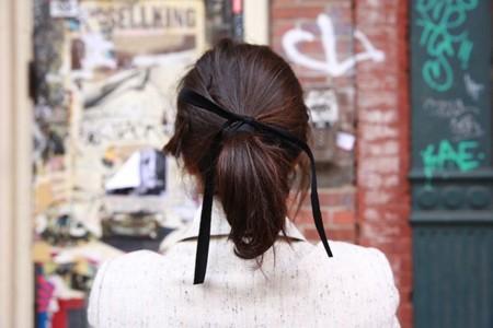 man repeller cinta negra cinta para el pelo