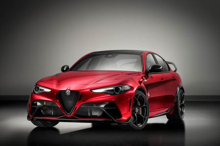 Alfa Romeo Giulia Gtam 4