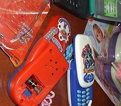 Teléfonos de juguete peligrosos para los niños