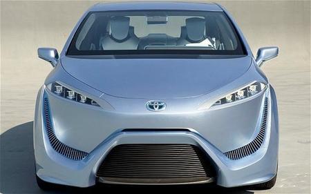 Toyota revela nuevos detalles de su vehículo de hidrógeno FCV-R