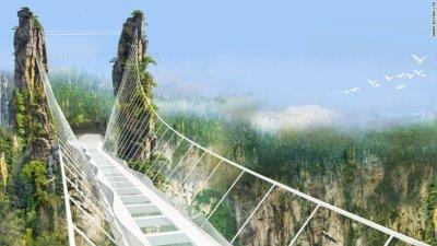 Una experiencia única: pasear por el puente de cristal más largo y alto del mundo