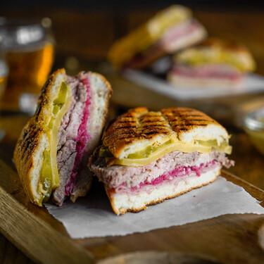 Para chuparse los dedos: así se hace el auténtico sándwich cubano (receta con vídeo incluido)