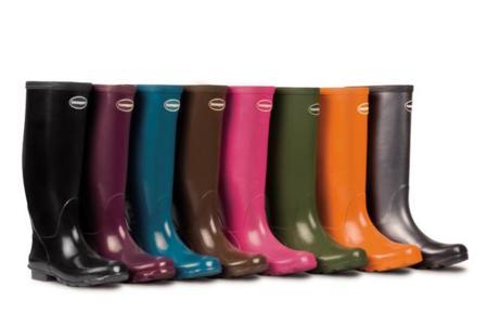 Desafía a la lluvia con estilosas botas de agua