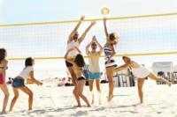 Cinco ideas divertidas para hacer deporte en la playa