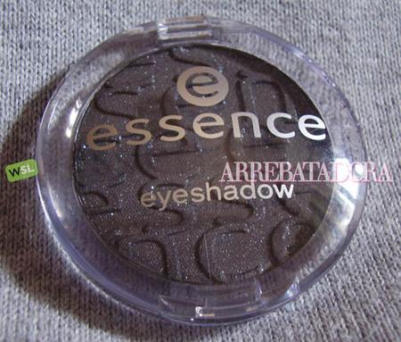 Look ahumado de Essence (I): los productos