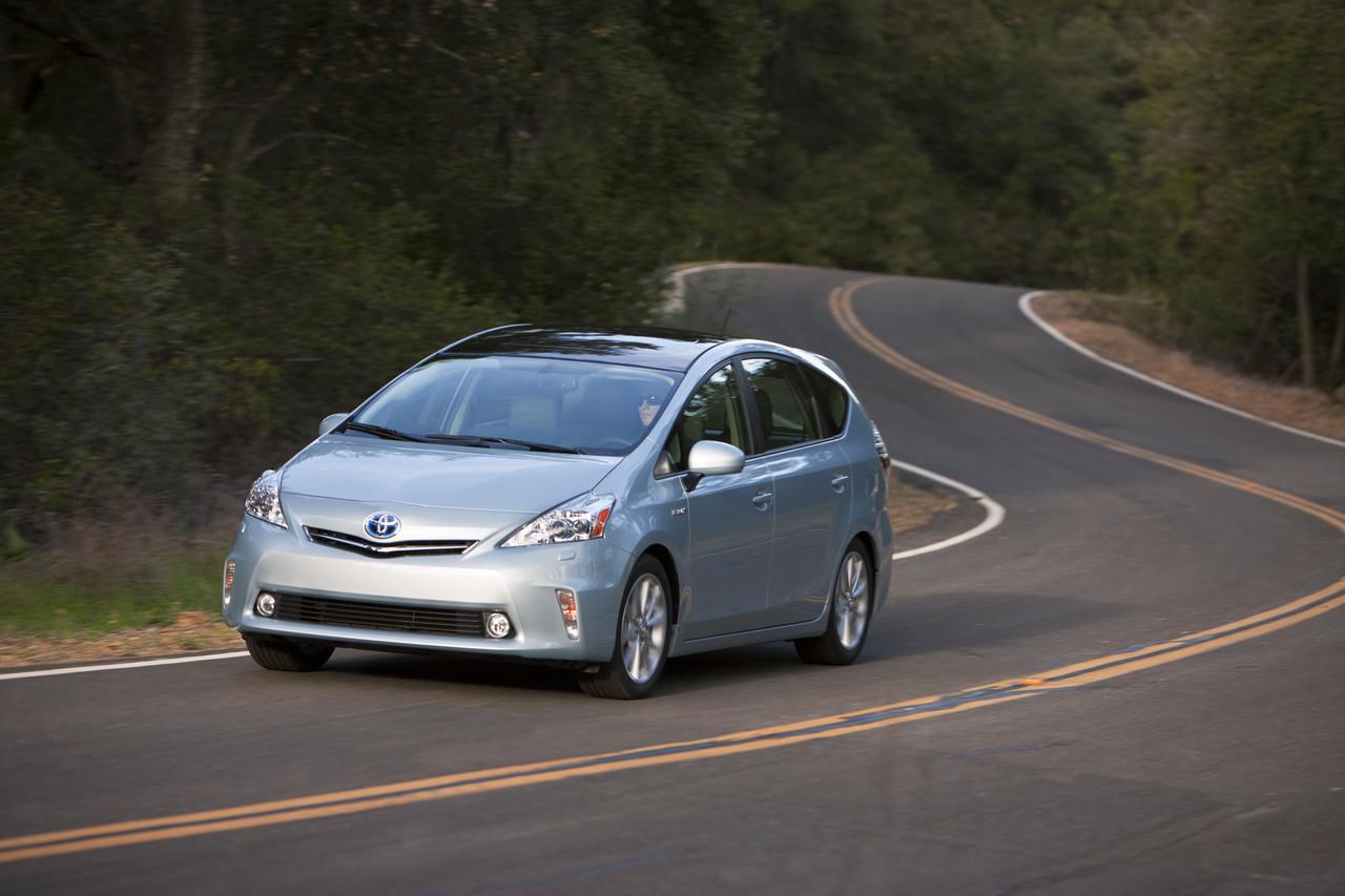 Foto de 2011 Toyota Prius v (23/77)