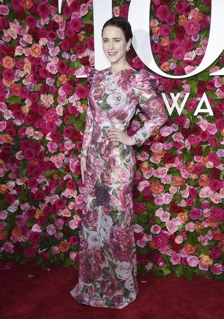 alfombra roja tony awards Rachel Brosnahan