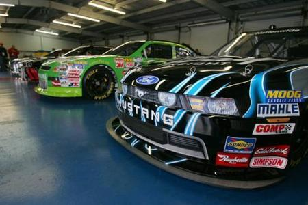 La NASCAR presenta el Car of Tomorrow de las Nationwide Series