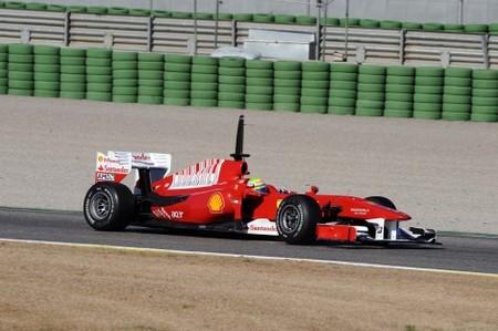 Ferrari domina en el día 1 en Cheste