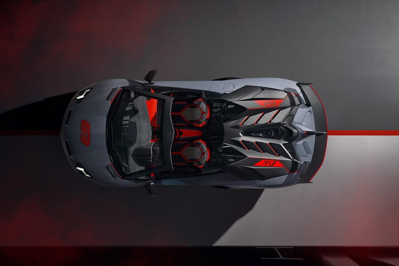 Foto de Lamborghini Aventador SVJ Roadster 63 y Huracán EVO GT (27/34)