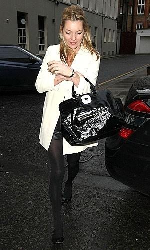 Este invierno se llevan los abrigos blancos: copia a Kate Moss y Sienna Miller
