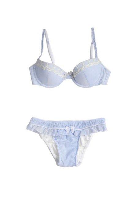 oysho_ss2012_lingerie_120102-21.jpg