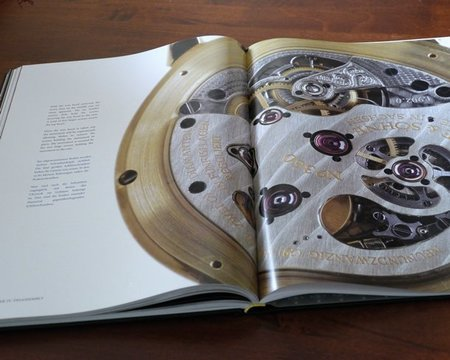 """Si posees uno de los 200 relojes LANGE Tourbillon """"Pour le Mérite"""", A. Lange & Söhne tiene un regalo para ti"""