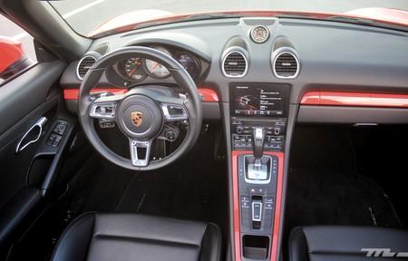 Porsche 718 Boxster S 9