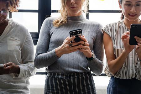 Cuando el anuncio de trabajo se muestra sólo a hombres (y Facebook lo permite)
