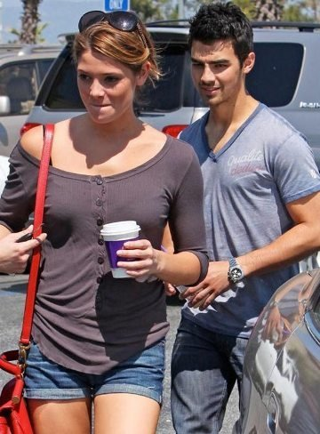Joe Jonas y Ashley Greene, ¡aquí huele a temita!
