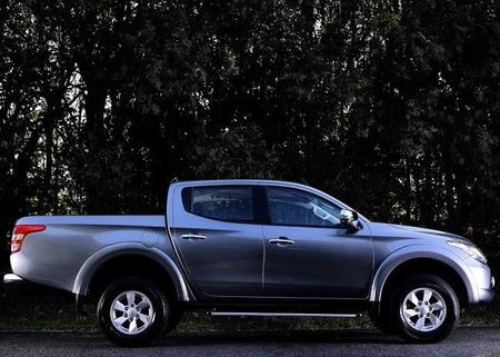 Mitsubishi L200 2016 800x600 Wallpaper 09