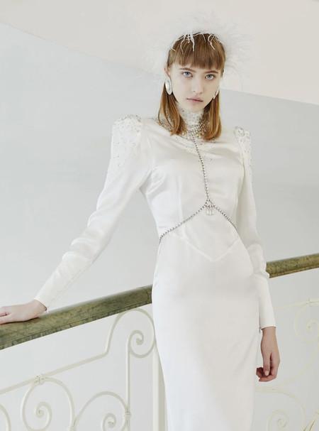 Vestido Novia Ochentas 3https://www.luisaviaroma.com/es-es/p/alessandra-rich/mujer/vestidos/70I-RKM029?ColorId=ODIy0&SubLine=clothing&CategoryId=4&lvrid=_p_dRKM_gw_c4