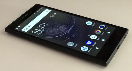 Sony Xperia L2 02